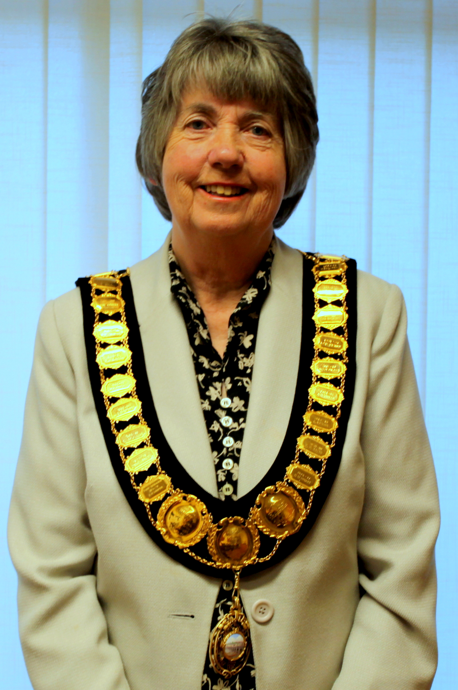 Cllr Starling Mayor 2
